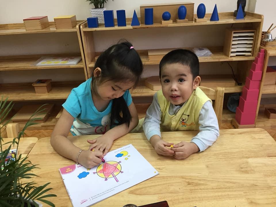 day be tap to 1 1 - Kỹ năng dạy bé tập tô giúp phát huy sự sáng tạo và khả năng vận động