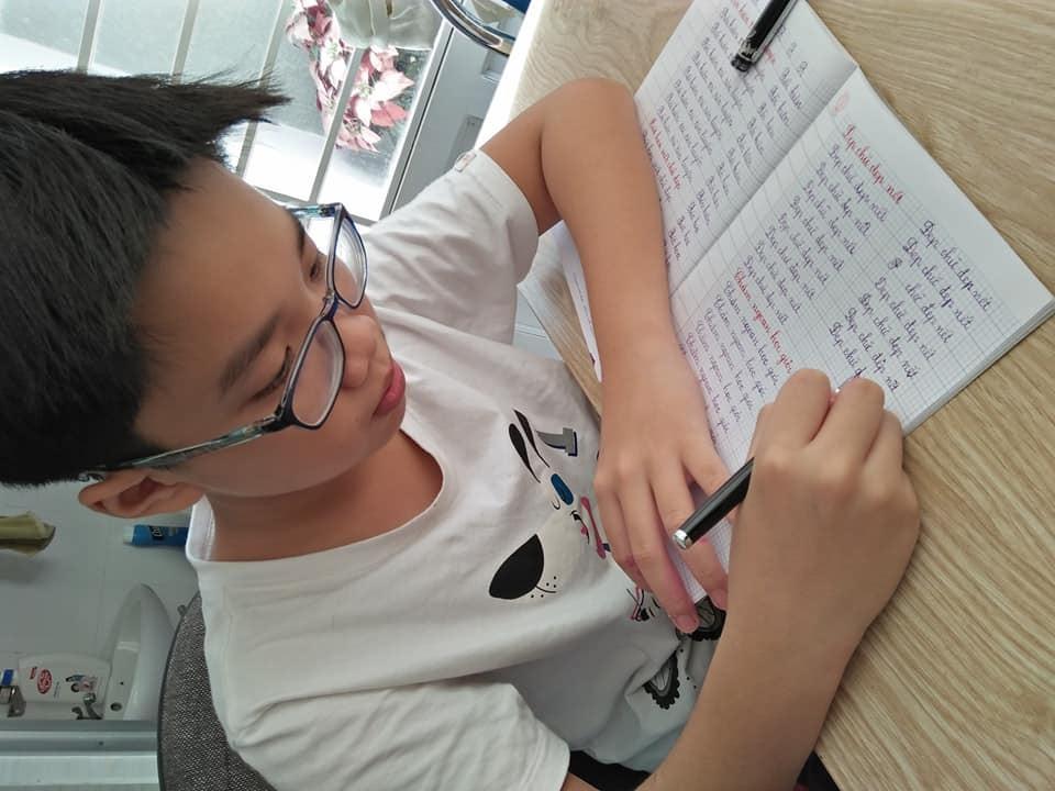 luyen chu dep 1 - Bí quyết giúp dạyviết chữ đẹp cho trẻ