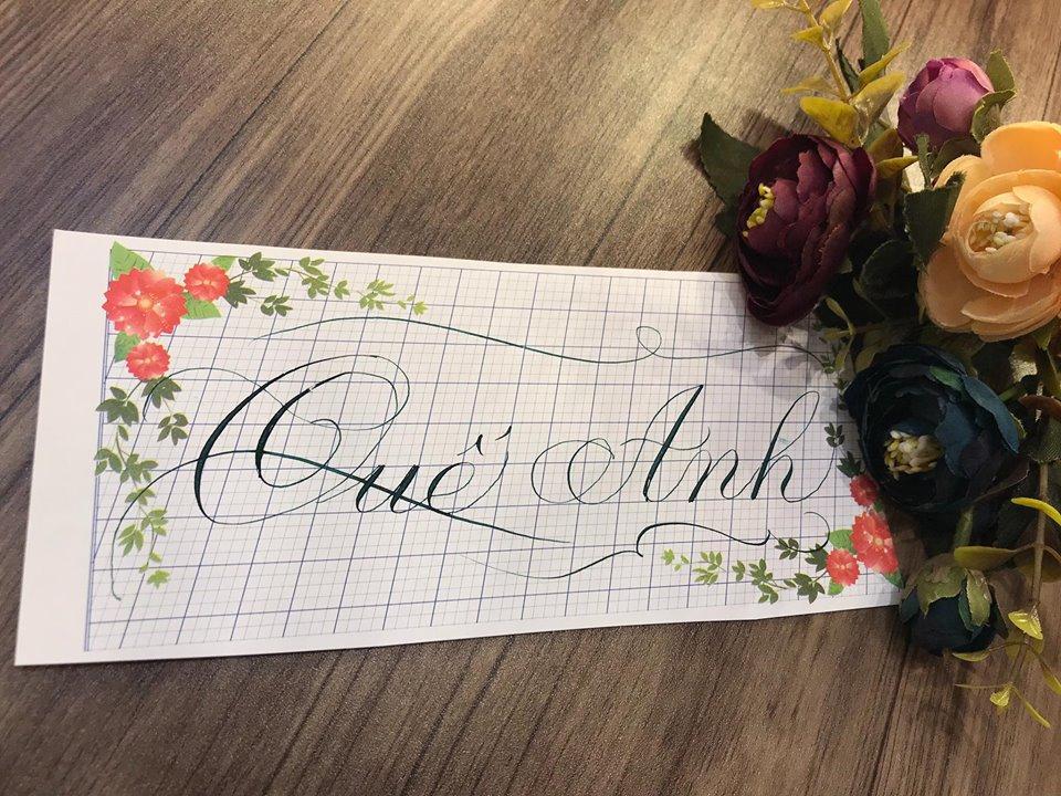 viet ten voi chu nghe thuat 11 - Kỹ thuật luyện chữ: Bảng chữ cái mẫu thường, mẫu hoa, chữ hoa sáng tạo