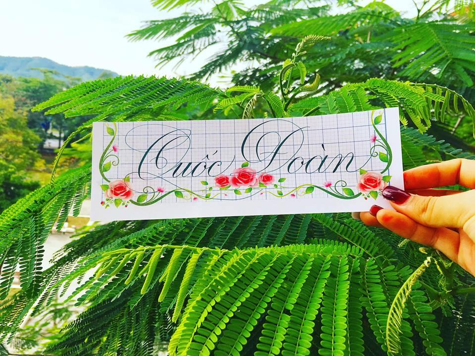 viet ten voi chu nghe thuat 2 - Kỹ thuật luyện chữ: Bảng chữ cái mẫu thường, mẫu hoa, chữ hoa sáng tạo
