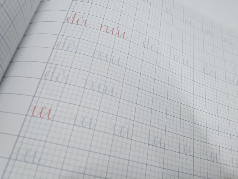 Vở tập viết lớp 1 quyển 1